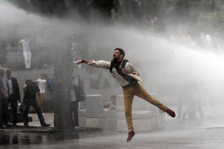 Φωτογραφίες από τις συγκεντρώσεις στην Ιστανμπούλ και την Άγκυρα