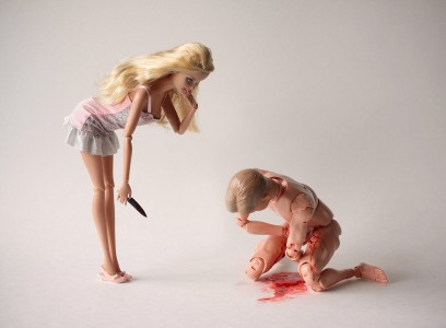 Η κατά συρροήν Δολοφόνος Barbie εν δράσει