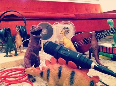 Dinovember: O Μήνας που ζωντανεύουν οι πλαστικοί δεινόσαυροι