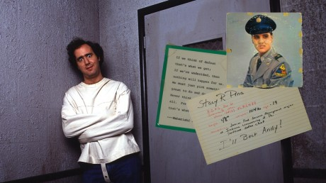 Man on the Moon: Ζει ο Andy Kaufman;
