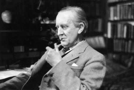 10 πράγματα που θα έπρεπε να γνωρίζετε για τον Τζ. Ρ. Τόλκιν