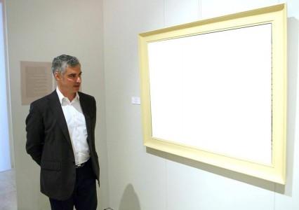 Τι κοιτάει ο Άρης Σπηλιωτόπουλος;