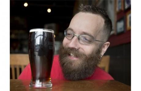 Κρις Σράιερ: O τύπος που έχει σκοπό να κάνει την μπυροκοιλιά ένδειξη υγιεινής ζωής