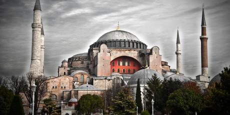 8 αληθινά περιστατικά της Βυζαντινής ιστορίας που κάνουν το Game of Thrones να μοιάζει με τα Στρουμφάκια