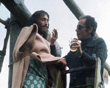 Η κατάρα των ηθοποιών που ενσάρκωσαν τον Ιησού: Ο Ρόμπερτ Πάουελ είναι ζωντανός στα 69 του