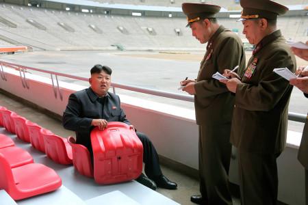 Bόρεια Κορέα: Με ποινή του θανάτου απαγορεύεται πλέον η φράση «Κιμ Πάτα Το Κουμπί»