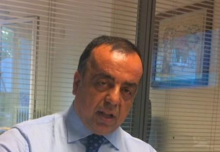 Δικηγόρος της Χρυσής Αυγής χαστούκισε και τραμπούκισε δύο θεατές της δίκης