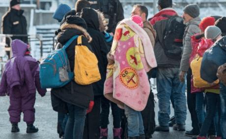 Και η Γερμανία θέλει να ξαλαφρώσει τους πρόσφυγες από τα χρυσαφικά τους