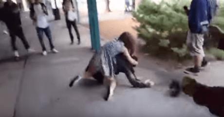 Πιτσιρίκα στην Αμερική δε σηκώνει το bullying από συμμαθητή της και τον τουλουμιάζει (VIDEO)
