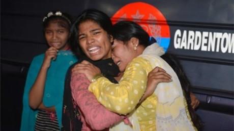 Τουλάχιστον 72 νεκροί από τρομοκρατική επίθεση με βόμβα με καρφιά σε πάρκο στο Πακιστάν