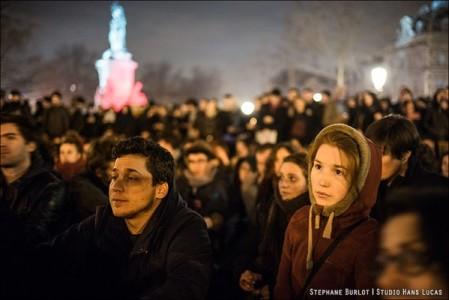 24 ρομαντικές φωτό από το Παρίσι των διαδηλώσεων και των κατειλημμένων πλατειών (PHOTO)