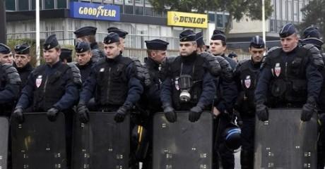 Όλα καλά: 50 Γάλλοι ΜΑΤατζήδες έφτασαν σήμερα στη Λέσβο για να ενισχύσουν τη φύλαξη των συνόρων