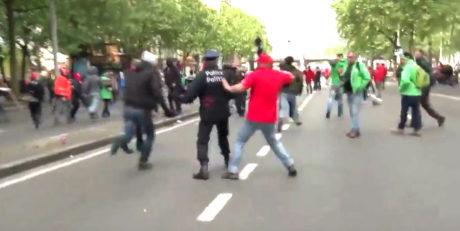 Διαδηλωτής στις Βρυξέλλες ξαπλώνει το διευθυντή της αστυνομίας με εξαιρετικό δεξί κροσέ (VIDEO)