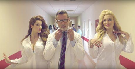 Αναρωτιόμαστε τι σκατά πήγε στραβά με το νέο σποτάκι του Εθνικού Κέντρου Αιμοδοσίας (VIDEO)