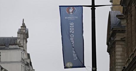 Ολλανδός ιδιοκτήτης καφετέριας μετακινεί τα σύνορα Ολλανδίας-Βελγίου λόγω του Euro της Γαλλίας