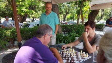 Όλα τα αισχρά λογοπαίγνια που μπορεί να σκεφτεί κάποιος βλέποντας τον Ρουβά να παίζει σκάκι