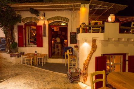 Botilia: H πιο σταθερή αξία στη νυχτερινή διασκέδαση της Αμοργού