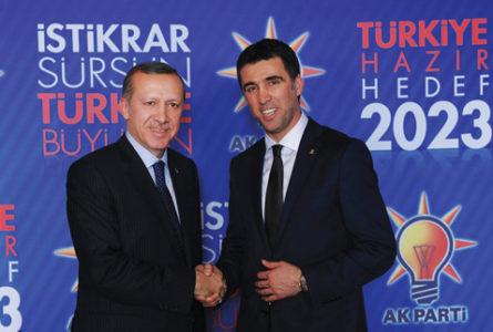 O Eρντογάν έβγαλε ένταλμα σύλληψης για τον Χακάν Σουκούρ με την κατηγορία της τρομοκρατίας