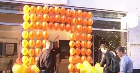 Ο Steve Jobs θα (ξανα)πέθαινε από τη βαρεμάρα στην υποδοχή του iPhone 7 σε πόλη της Δανίας (VIDEO)