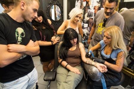 Γίνε άσος της τέχνης του τατουάζ με τα ειδικά σεμινάρια του Scripta Manent Tattoo Studio
