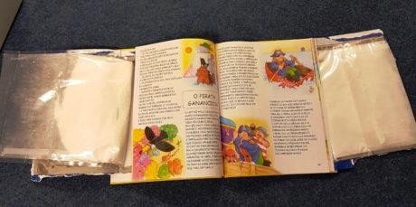 21χρονη συνελήφθη στο Ελ. Βενιζέλος με 6 παιδικά βιβλία γεμάτα με κοκαΐνη (PHOTOS)