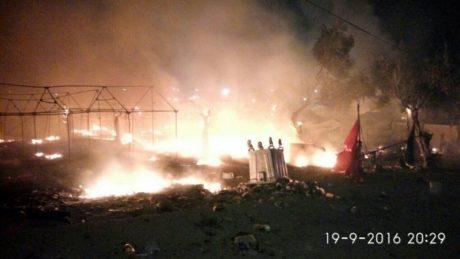 4.000 πρόσφυγες στους δρόμους μετά από φωτιά στη Μόρια της Λέσβου (VIDEO)