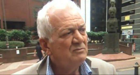 Έλληνας ιδιοκτήτης μπουρδέλου στη Βρετανία λέει ότι έδωσε τα κέρδη του στον Τσίπρα για να μας ξεχρεώσει (VIDEO)