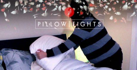 10 πράγματα που μάθαμε διαβάζοντας ΟΛΟ το Pillowfights.gr μέσα σε μια νύχτα