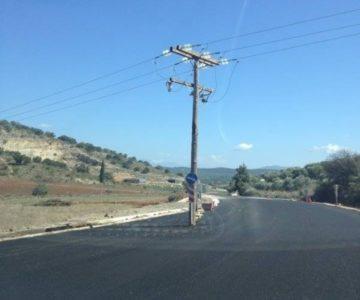 Μια όμορφη μικρή κολόνα της ΔΕΗ φύτρωσε στη μέση ενός νέου δρόμου στην Αιτωλοακαρνανία (PHOTO)