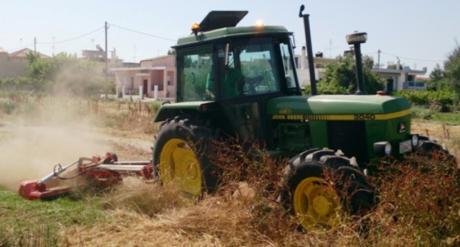 Καβάσιλα Ηλείας: Χωρικός μπαίνει με τρακτέρ σε καφενείο για να κυνηγήσει τον ιδιοκτήτη