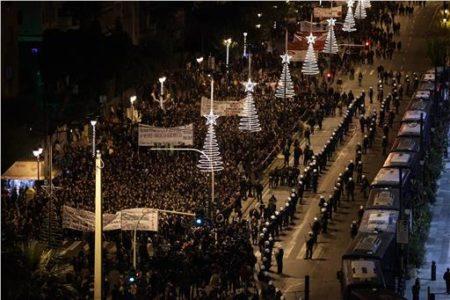 Όλα όσα έγιναν στην Αθήνα χτες στην επέτειο της εξέγερσης του Πολυτεχνείου (PHOTOS)