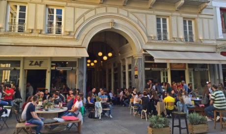 ZAF cafe και School Pizza Bar: Τα αγαπημένα στέκια στην Πλ. Αγίας Ειρήνης
