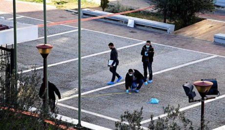 Κρητικός και δραπέτης φυλακών ο άντρας που αυτοκτόνησε μετά από καταδίωξη στην Πλατεία Θεάτρου