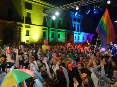 Η Μάλτα έγινε η πρώτη ευρωπαϊκή χώρα που απαγόρευσε τη «θεραπεία της ομοφυλοφιλίας»