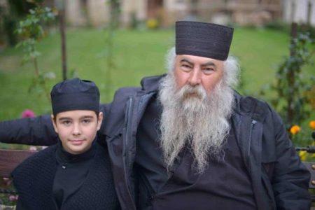 Εσώκλειστος μαθητής και όχι μοναχός είναι ο 12χρονος, απαντάει η Αθωνιάδα Εκκλησιαστική Ακαδημία