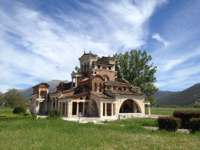 Πάνω από 10.000 υπολογίζονται οι καταγεγραμμένες εκκλησίες στην Ελλάδα