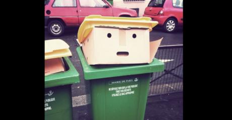 Το Ίντερνετ διασκεδάζει με αυτό το σκουπιδοτενεκέ που μοιάζει με το Ντόναλντ Τραμπ (PHOTOS)