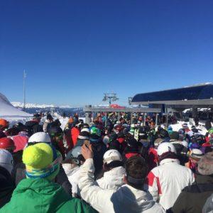 Εκεί μας κατάντησαν οι αλήτες: Τσαμπουκάδες στον Παρνασσό για μια θέση στις πίστες του σκι (VIDEO)