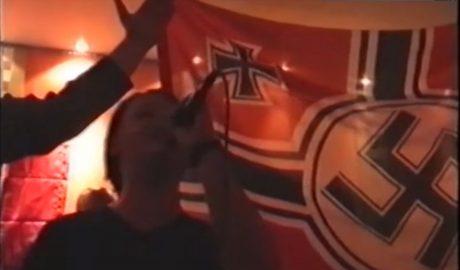 Πέσαμε από τα σύννεφα με το βίντεο που δείχνει τους χρυσαυγίτες βουλευτές να υμνούν τη Ναζιστική Γερμανία (VIDEO)