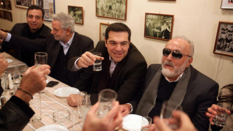 Θα μας μείνει μόνο ο ήλιος: Στα Ευρωδικαστήρια στέλνει η Ε.Ε την Ελλάδα για το τσίπουρο και την τσικουδιά