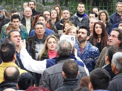 Σείστηκαν οι κολώνες του Παρθενώνα από την ορκωμοσία 300 νέων οπαδών του Αρτέμη Σώρρα που έγινε κάτω από την Ακρόπολη (VIDEO)