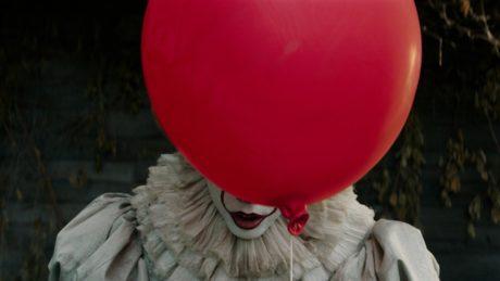 "O εφιαλτικός Κλόουν της παιδικής μας ηλικίας επιστρέφει πιο τρομακτικός στο remake του ""IT"""
