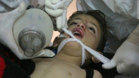 Επίθεση με χημικά όπλα αφήνει πίσω της δεκάδες νεκρούς και τραυματίες σε πόλη της Συρίας