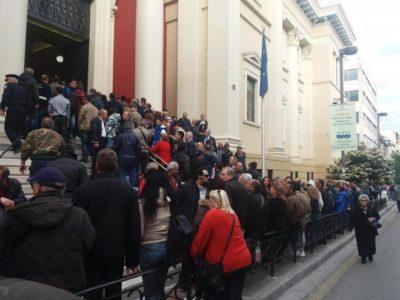 Σώρρας-Εκδρομές-Ναρκωτικά: Με πούλμαν σκάσανε μύτη στα δικαστήρια της Πάτρας οι οπαδοί του Αρτέμη