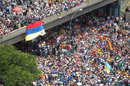 Όλα όσα καταλαβαίνουμε για το τι παίζει αυτή τη στιγμή στη Βενεζουέλα του Μαδούρο