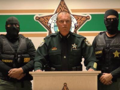 Ποιοι τζιχαντιστές: Το βίντεο αμερικάνου σερίφη στη Φλόριντα είναι ό,τι πιο creepy είδαμε τελευταία (VIDEO)