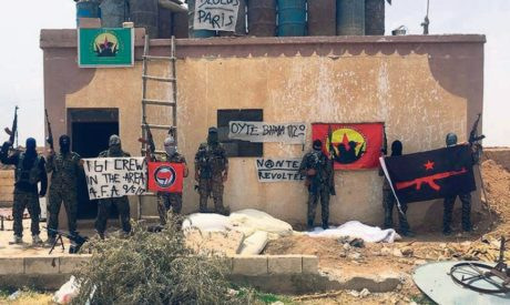 Έλληνες αναρχικοί πήραν τα όπλα και πολεμούν κατά του Ισλαμικού Κράτους στη Βόρεια Συρία