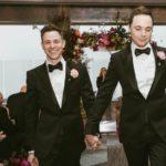 Ο Σέλντον, aka Τζιμ Πάρσονς παντρεύτηκε μετά από 14 χρόνια σχέσης με τον σύντροφό του στη Νέα Υόρκη