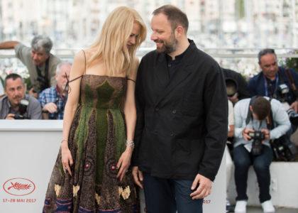 Πολλές θετικές κριτικές και κάμποσα γιουχαρίσματα φαίνεται να μάζεψε η νέα ταινία του Γιώργου Λάνθιμου στις Κάννες