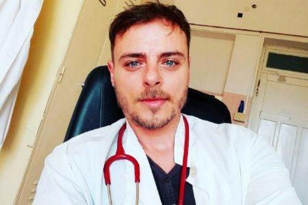 Ο Νίκος Μίχας του Fame Story διορίστηκε γιατρός στο περιφερειακό ιατρείο Αντικυθήρων
